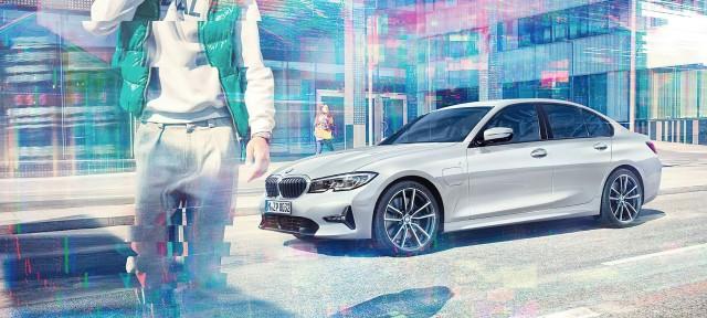 BMW 330e.*
