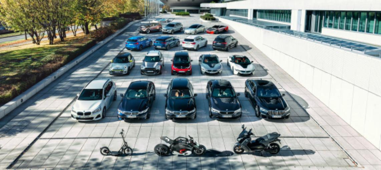 Нові гібридні моделі та вдосконалені високовольтні акумулятори: BMW послідовно розширює модельний ряд електричних автомобілів.